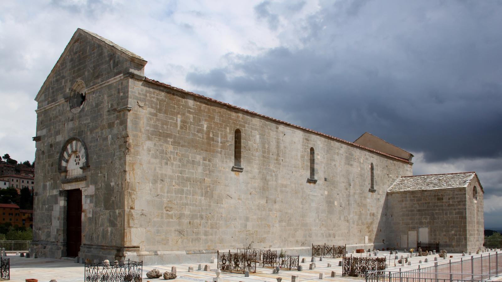 Campiglia Marittima: Pieve di San Giovanni - LepoRello (Wikipedia)